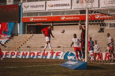 Paraná supera o Rio Branco e vence a primeira dentro de casa na temporada