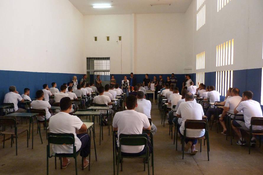 Vestibular da UEL também será aplicado a 251 presos, neste domingo (30)