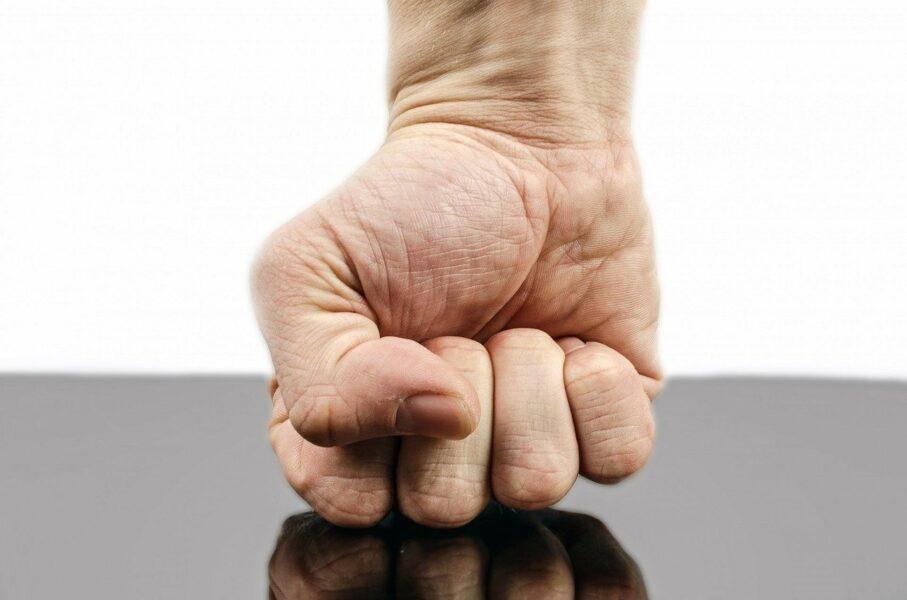 Homem que agrediu a sogra e ameaçou esposa com faca é preso, em Sengés