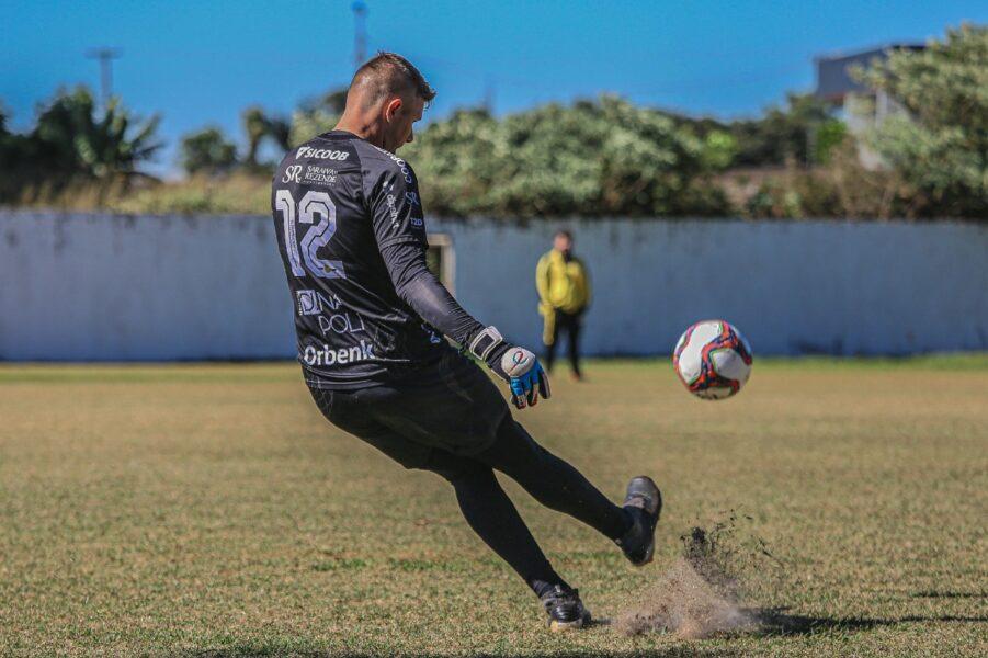 Cascavel recebe Maringá em casa na busca por uma vaga na semifinal do Paranaense