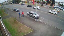 Racha deixa motorista de 21 anos gravemente ferido em Curitiba
