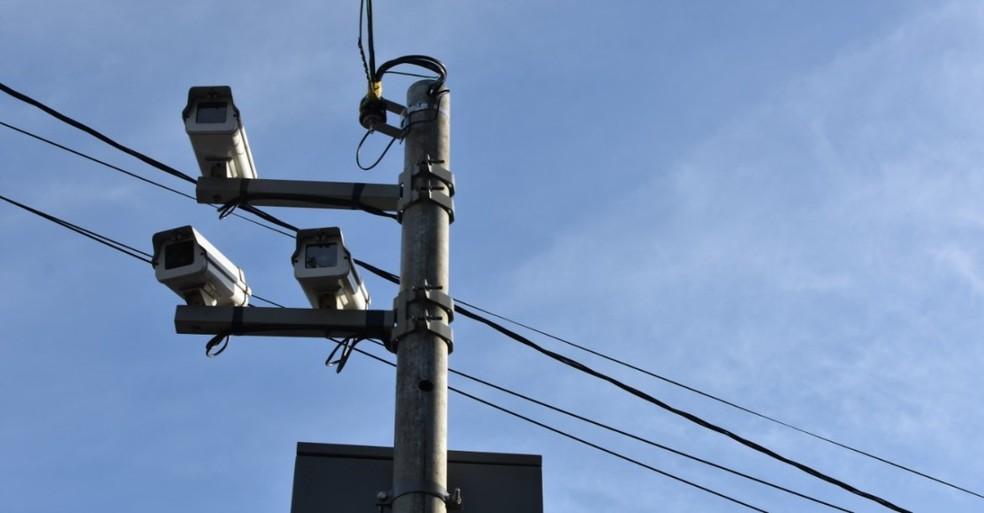 Radares em Londrina devem voltar a funcionar nesta terça-feira (1º); confira quais ruas