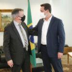 Ratinho Júnior nomeia Cláudio Smirne Diniz para desembargador do TJ-PR