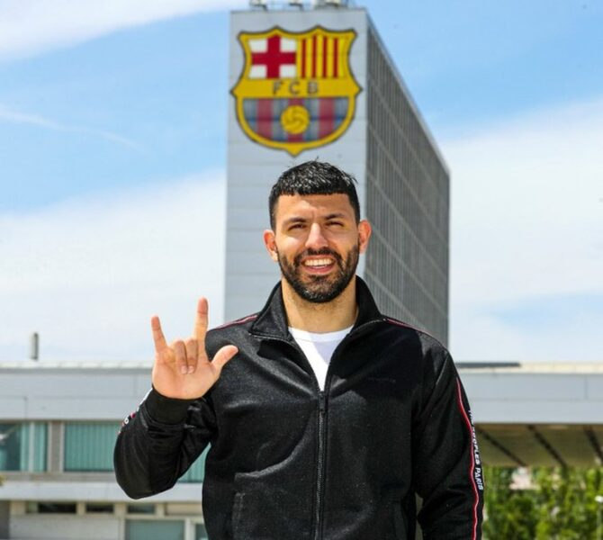 Barcelona anuncia contratação de Sergio Aguero, que se despediu do City
