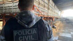 Polícia Civil de Ponta Grossa encontra barracão com soja e cargas roubadas em Tibagi