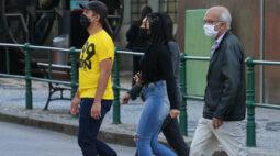 Recusa no uso de máscara termina em luta corporal entre homem de 50 anos e um adolescente