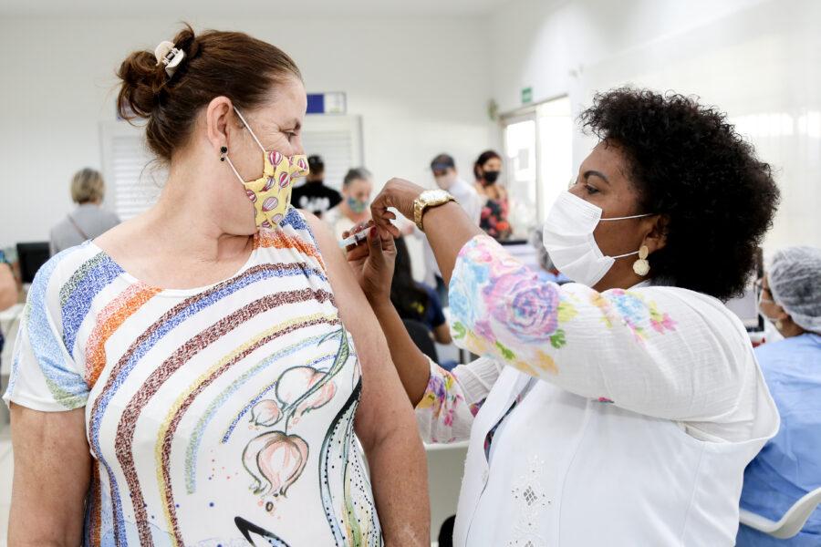 Vacinação para público com comorbidades começa sábado (8), em Maringá