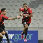 """Herói do Athletiba, Vitinho celebra: """"Jogo mais especial da vida"""""""