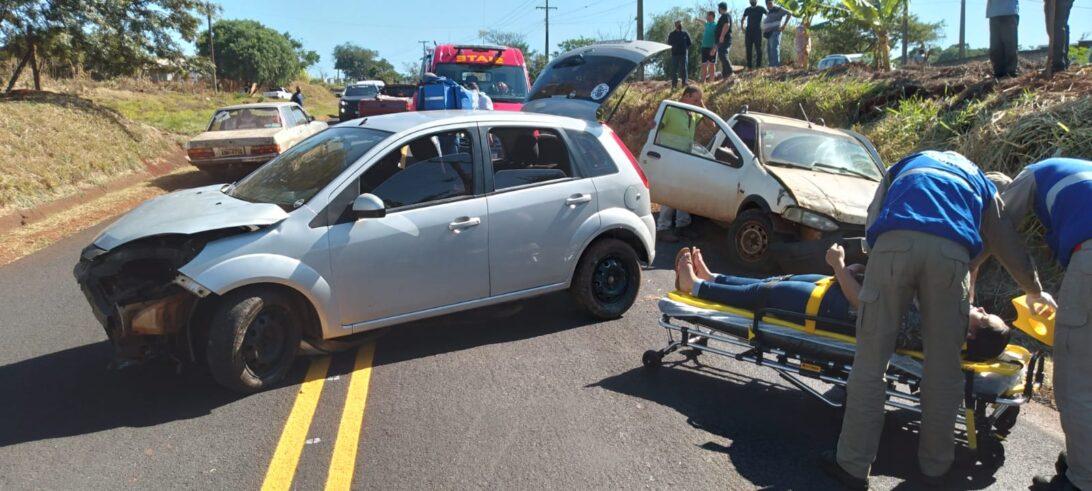 Colisão entre carros deixa duas pessoas feridas na PR 317, em Toledo