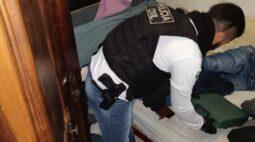 Dupla é presa suspeita de participação em homicídios, em Palmeira