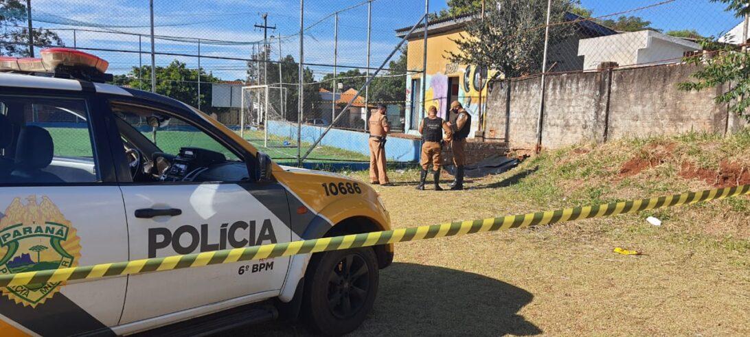 Homem é encontrado morto em campo de futebol em Cascavel (PR)