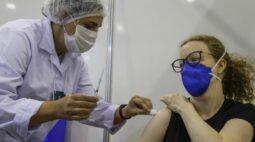 Curitiba amplia vacinação contra a Covid-19 para pessoas com 51 e 52 anos