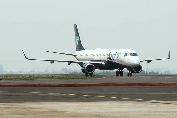 Companhia aérea anuncia retomada de voos em quatro cidades no Paraná; confira as rotas