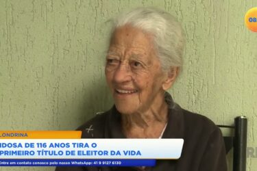 Idosa de 116 anos tira o primeiro título de eleitor da vida