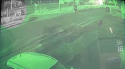 Motociclista fica gravemente ferida em acidente no Jardim Bertioga; veja o vídeo