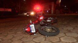 Motociclista foge da PM por estar sem retrovisor e se envolve em acidente