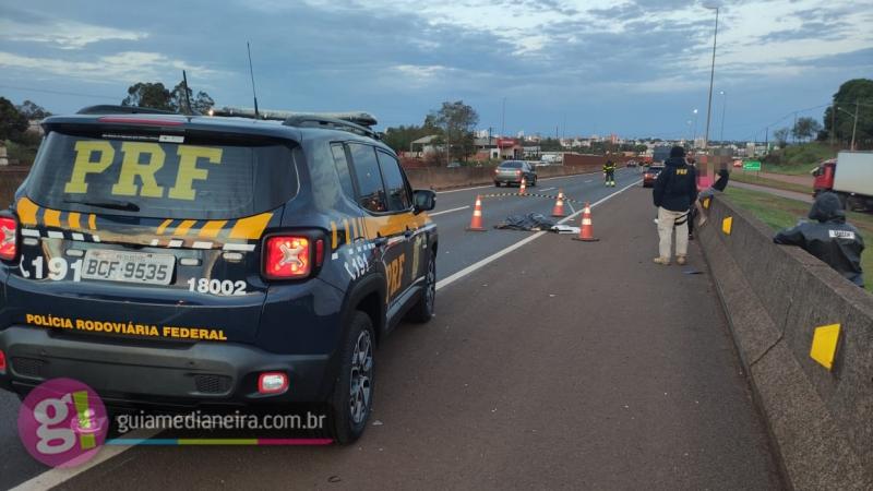 Adolescente morre ao ser atropelada por carreta na BR-277
