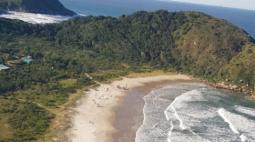 Homem morre afogado quando nadava com a namorada na Ilha do Mel