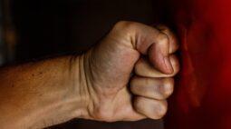 Homem que agrediu ex-companheira até ela perder o movimento dos braços é preso, em Londrina