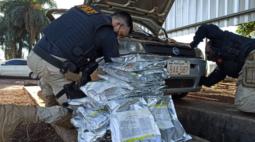 Polícia encontra agrotóxicos contrabandeados do Paraguai em fundo falso de veículo