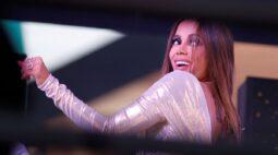 Anitta se junta ao Nubank para atingir clientes de baixa renda