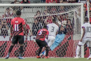 Athletico defenderá tabu de 14 anos contra o Paraná Clube