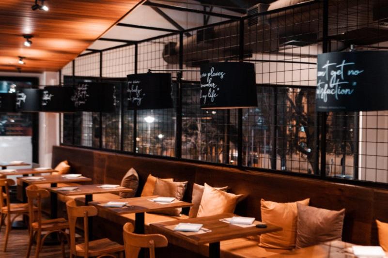 Greca sanciona lei que permite abertura de bares, casas noturnas e similares  como restaurantes