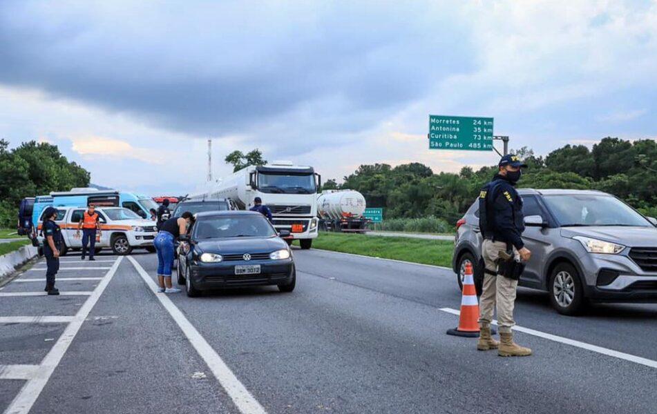 Mais de 20 mil veículos foram abordados em barreiras restritivas, no feriado de Corpus Christi