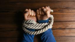 Trio que mantinha vítimas de roubo em cárcere privado é preso em Ponta Grossa