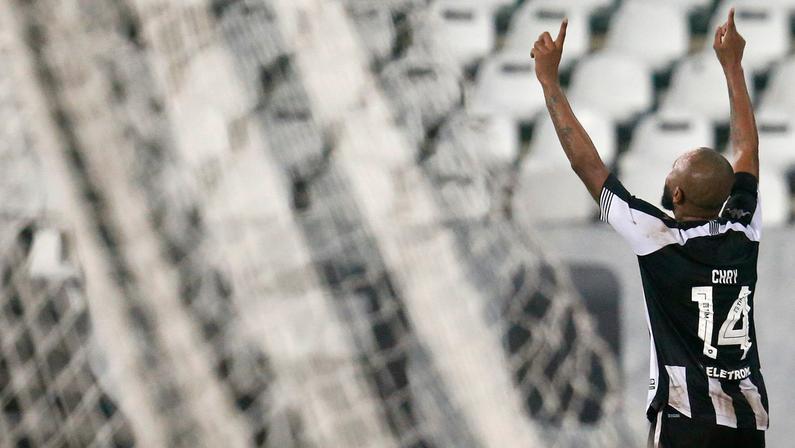 """Chay exalta seu primeiro gol pelo Botafogo: """"Espero ser o primeiro de muitos"""""""