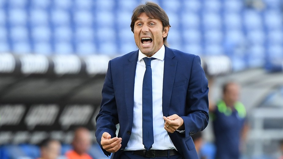 Tottenham avalia contratação de Conte e ex-diretor da Juventus
