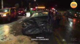 Motorista invade contramão e bate em dois caminhões na Rodovia do Xisto