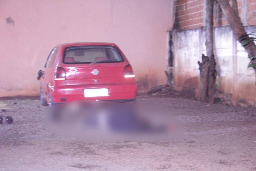 Homem é espancado por travestis até ficar inconsciente no Paraná