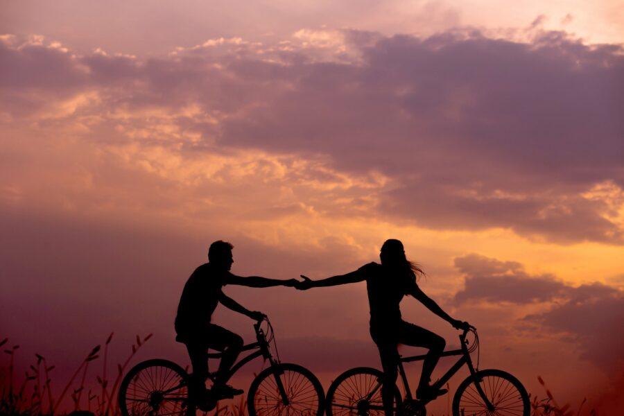 Dia dos Namorados: Confira a seleção de presentes especialmente para quem namora ciclista