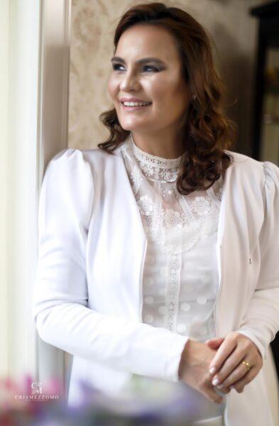 Focada nos avanços da medicina, a Dra. Laura Lúcia Martins acredita que o DAY Medical Center representa o futuro da saúde em Foz do Iguaçu