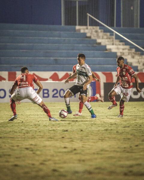 Coritiba reencontra o caminho da vitória e bate o Vila Nova por 1 a 0