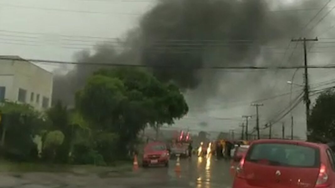 Explosão em loja de airsoft deixa quatro feridos na RMC; vídeo