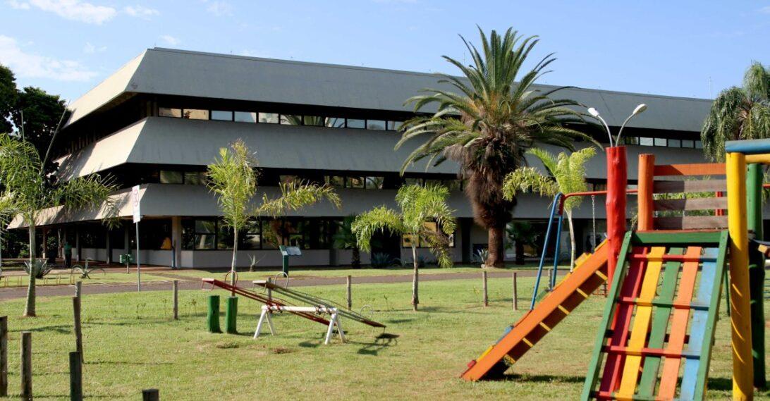 Londrina mantém suspensão das aulas presenciais; festas também continuam proibidas