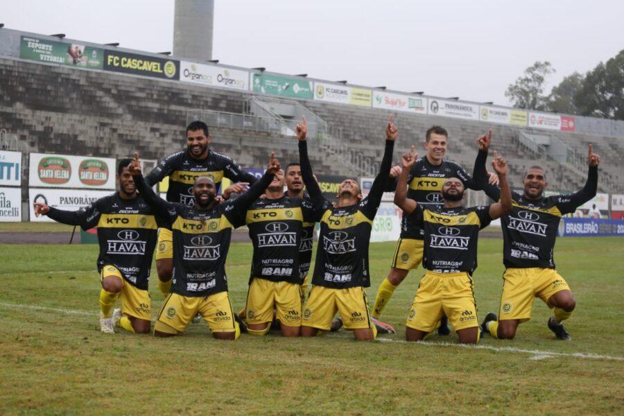 Cascavel bate o Caxias e conquista primeira vitória da Série D