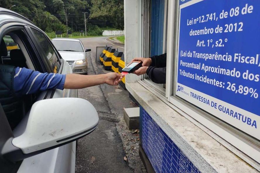 Ferry boat de Guaratuba passa a aceitar cartão de débito