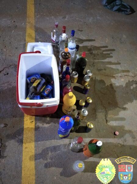 PM aborda 77 pessoas em festa com bebida, som alto e menores de idade em Paranavaí