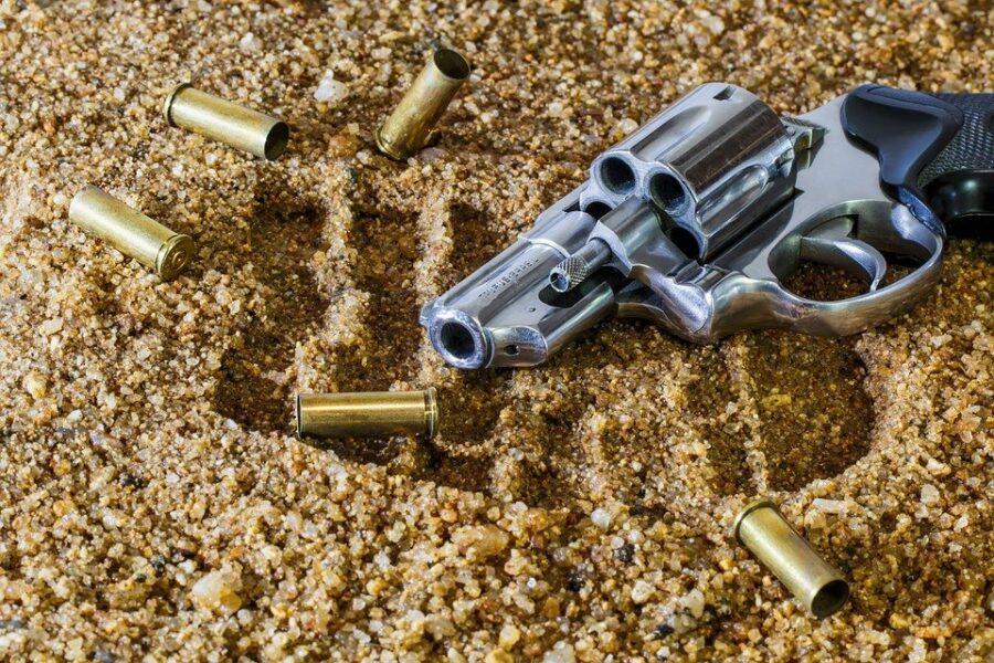 Homem tomava tererê na porta de casa e é assassinado com 4 tiros na cabeça