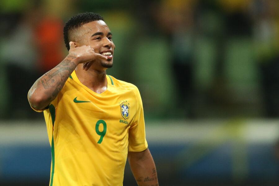 Garçom na Seleção, Gabriel Jesus se destaca nos passes em goleada do Brasil contra Peru