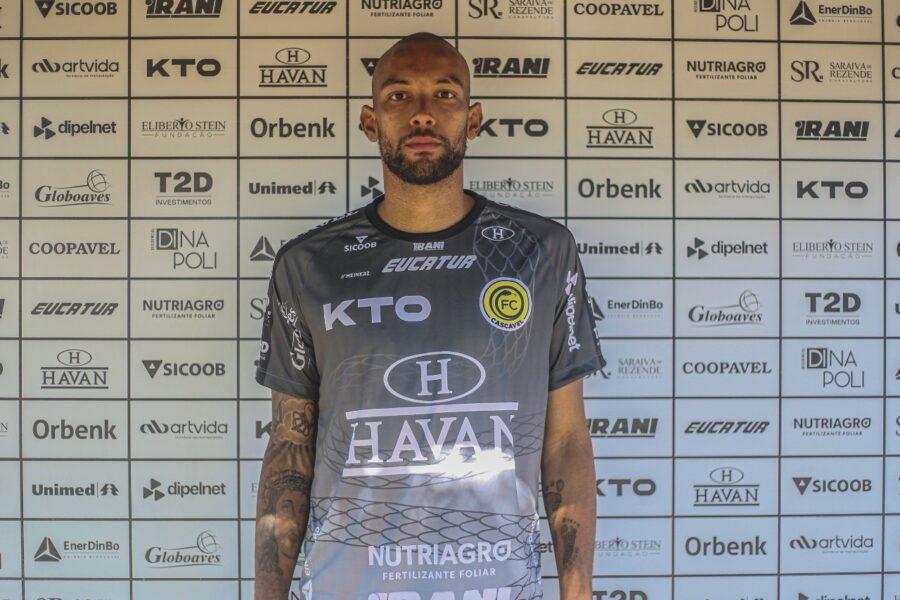 Goleiro Luis Augusto é o novo reforço do FC Cascavel