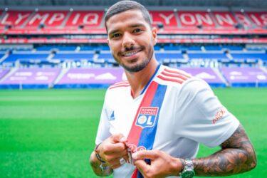 Lyon anuncia contratação de lateral-esquerdo Henrique, ex-Vasco