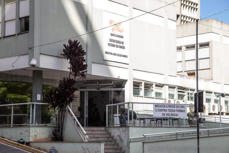 Adolescente é apreendida após fingir ser médica em Florianópolis (SC)