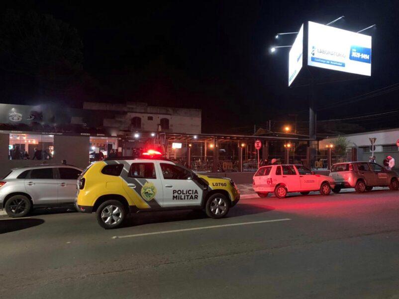 Fiscalização fecha cinco estabelecimentos em Ponta Grossa; um homem foi preso durante a operação