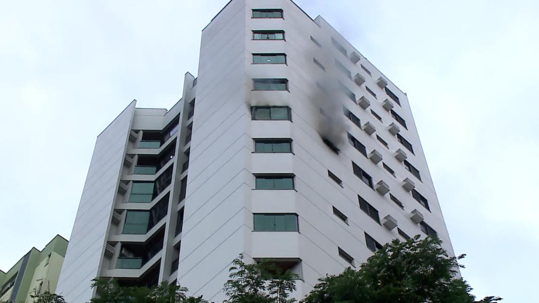 Incêndio no 13º andar de prédio em Londrina teria sido causado por eletrodoméstico