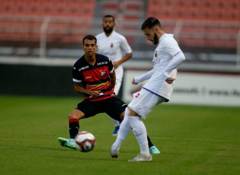 Paraná perde para o Ituano, assume a lanterna e completa 8 jogos sem vitória