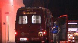 Jovem é esfaqueado após não informar horário para morador em situação de rua, em Curitiba